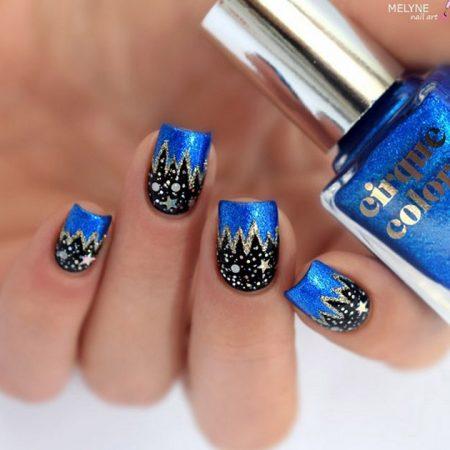 Christmas Eve Holiday nails