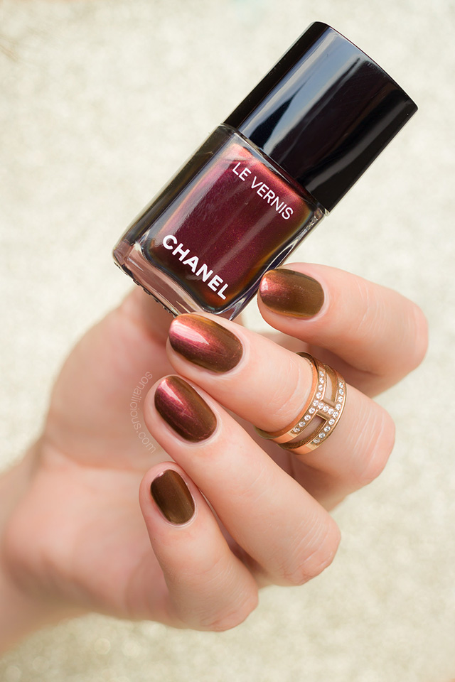 chanel opulence christmas nail colour
