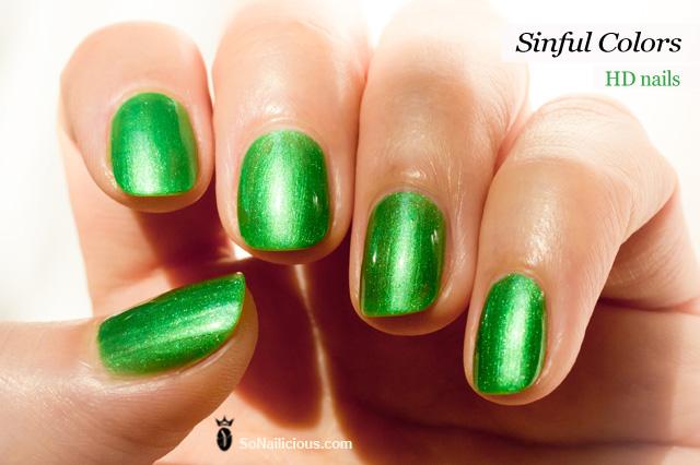 sinful colors HD nails emerald green