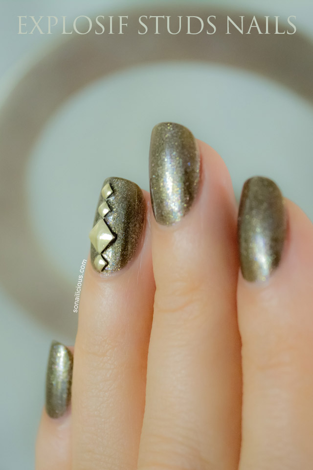 studs nails, studded nails