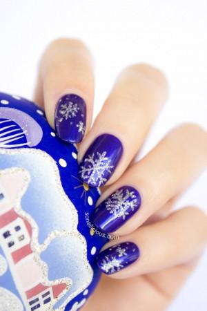 beautiful snowflake nail art