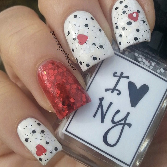 Easy Valentines Day nails by @runningwithlacquer