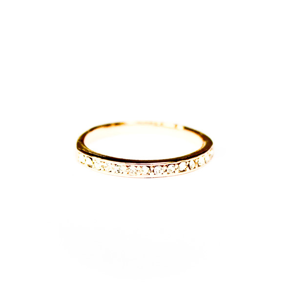 Simple gold ring with diamantes
