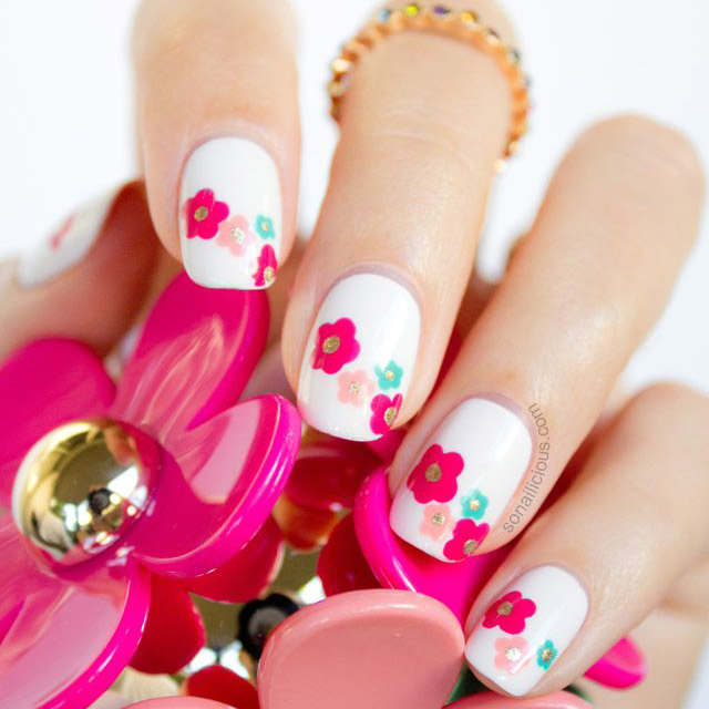 Marc Jacobs Daisy spring nails by SoNailicious