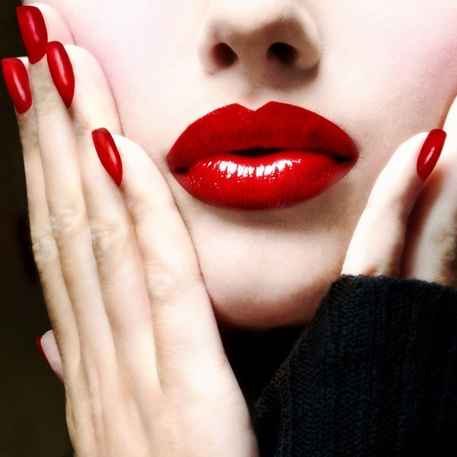 Classic red lips & nails
