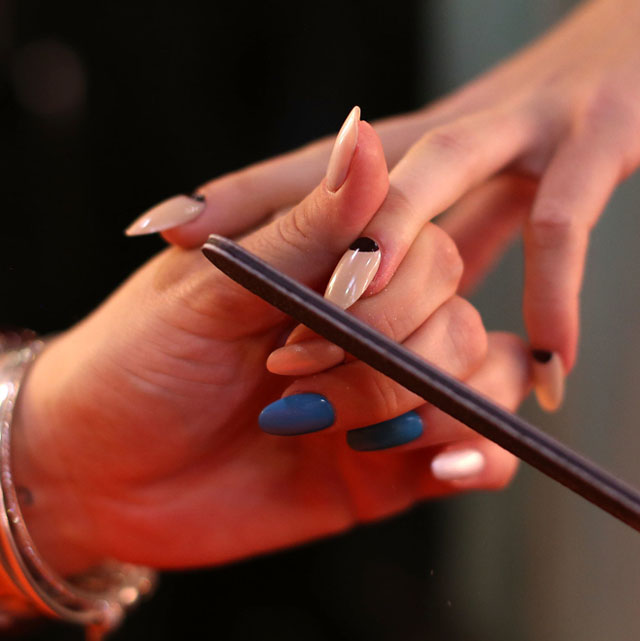 the hottest makeup and nail trends australian fashion