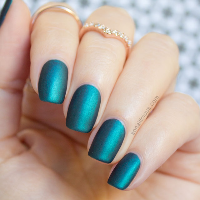 matte emerald nails