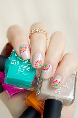 pretty summer nail design