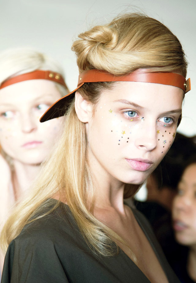 A Detacher backstage beauty NYFW 2015
