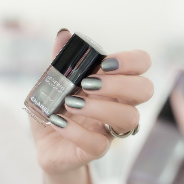 Chanel Sweet star polish review 1