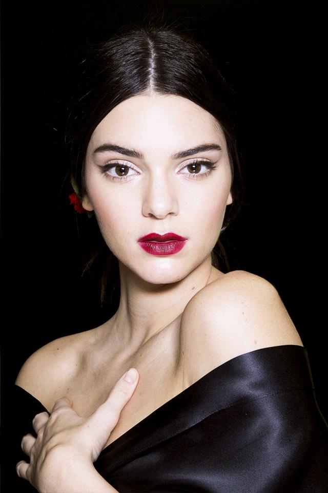 kendall jenner makeup at dolce & gabbana