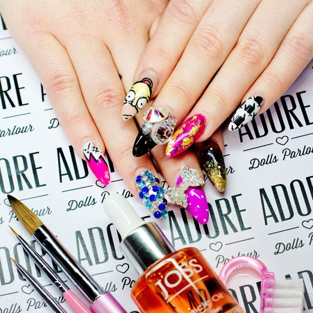 Nicole's Simpson Nails