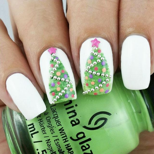 3D Christmas Tree Nails bu @oliviajade19