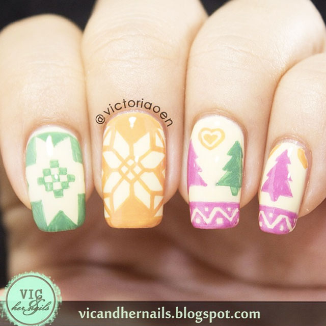Pastel Christmas nails by @Victoriaoen