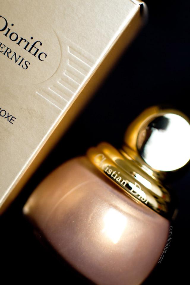 diorific gold Equinoxe nail polish