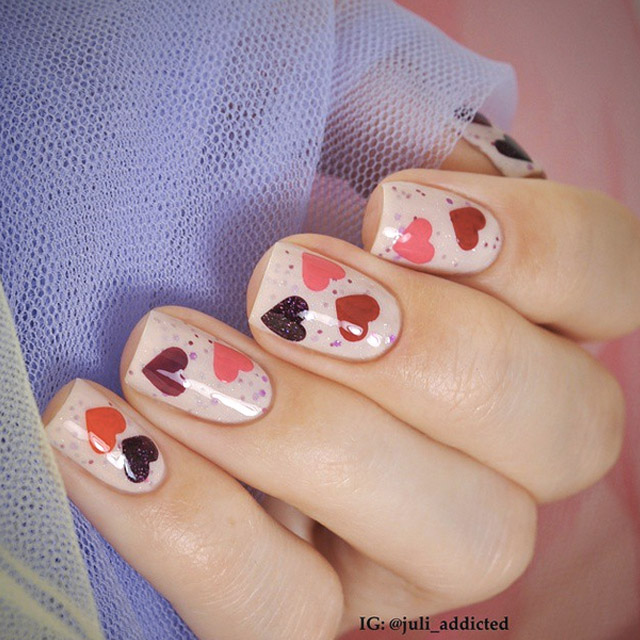 Cute Valentine's Day nails by @juli_addicted