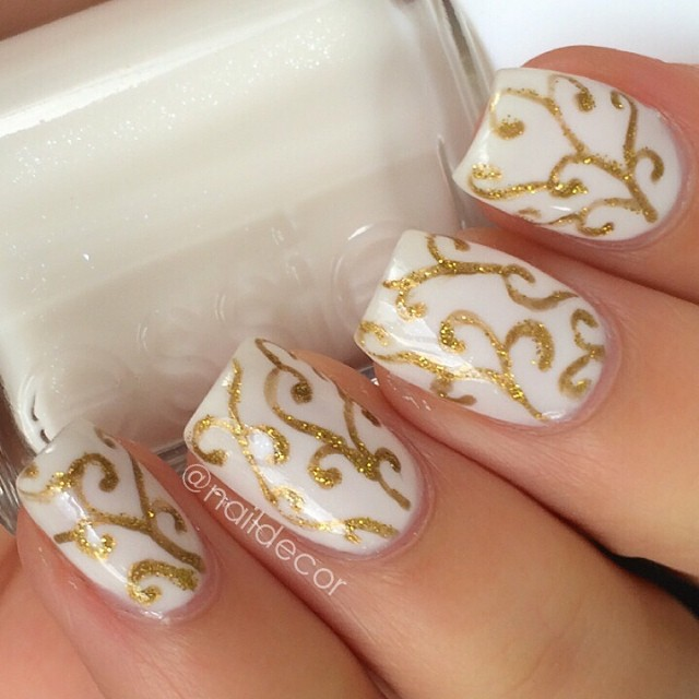 Damask Nails by @NailDecor