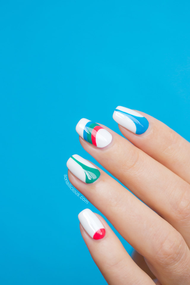 geometric print nails