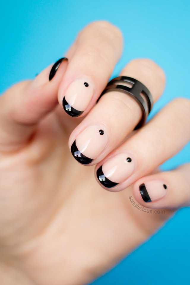 beautiful nude and black nail art