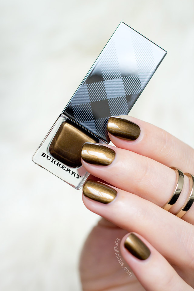 burberry antique gold swatches