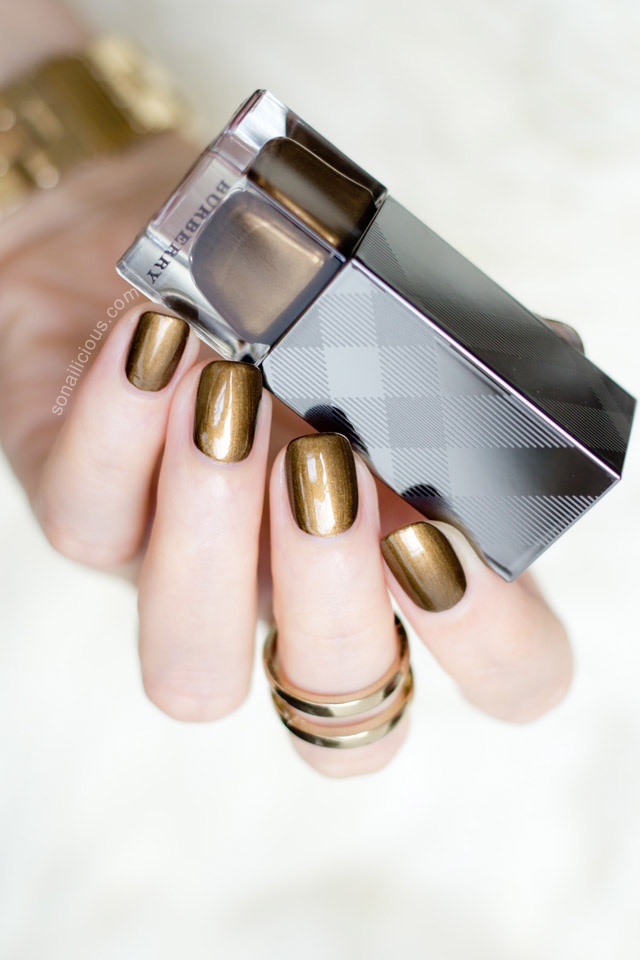 gold nails burberry antique gold polish