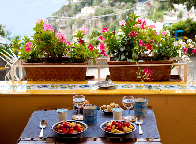 breakfast with a view in Positano