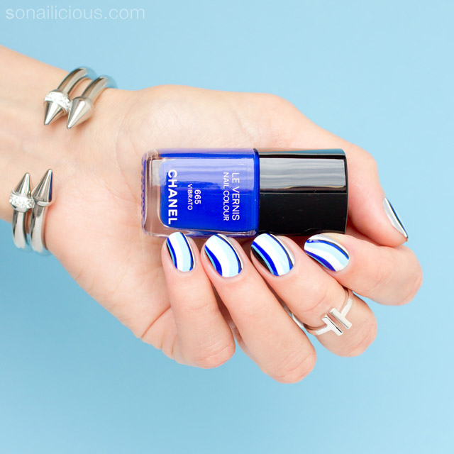 elegant blue nail art