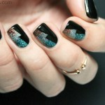 Tutorial: Sparkling New Year's Eve Nails