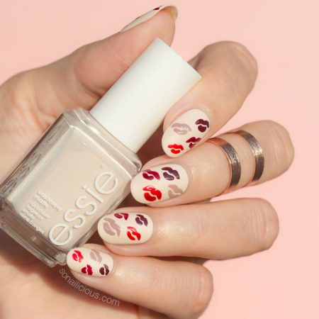 Kylie Jenner lips nails, essie wrap me up