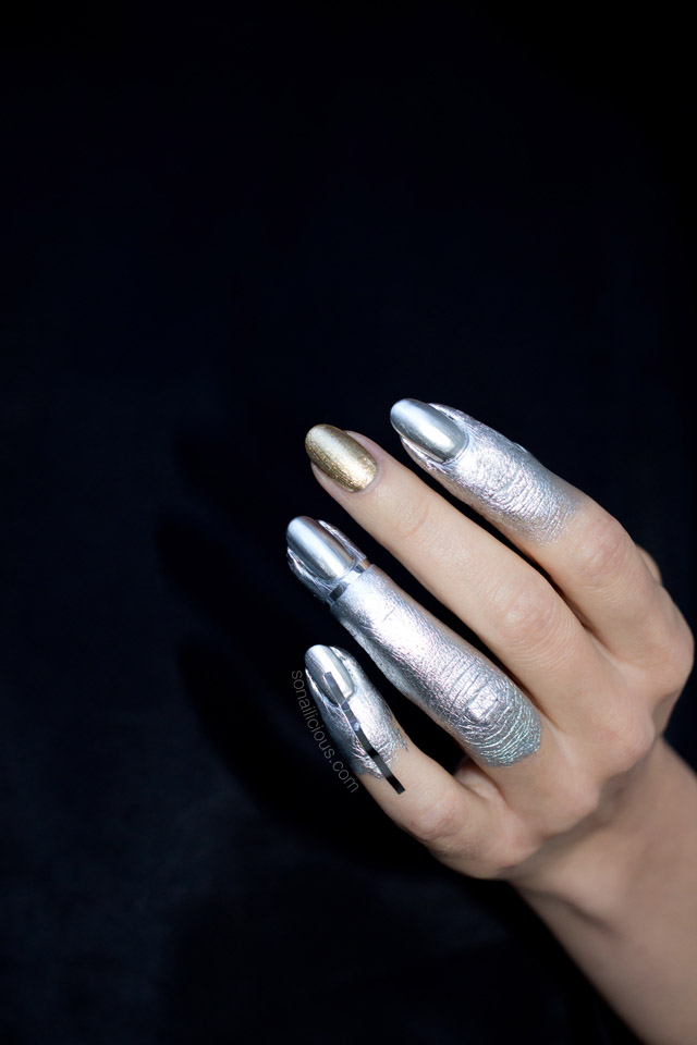 silver nails, Vivienne Westwood fall 2016 nail art