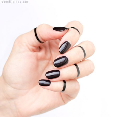black nails, black nail art