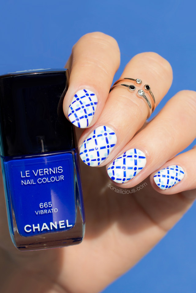 summer nails, chanel vibrato
