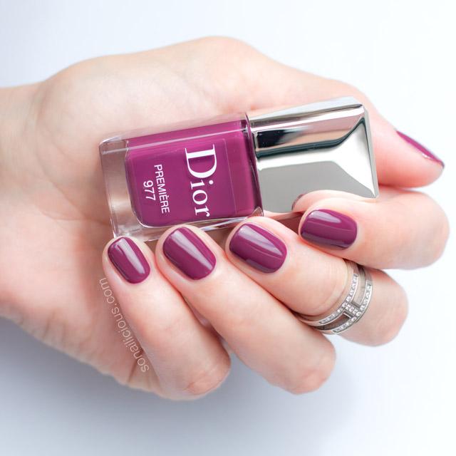 dior-vernis-premiere-dior-977-premiere-swatch