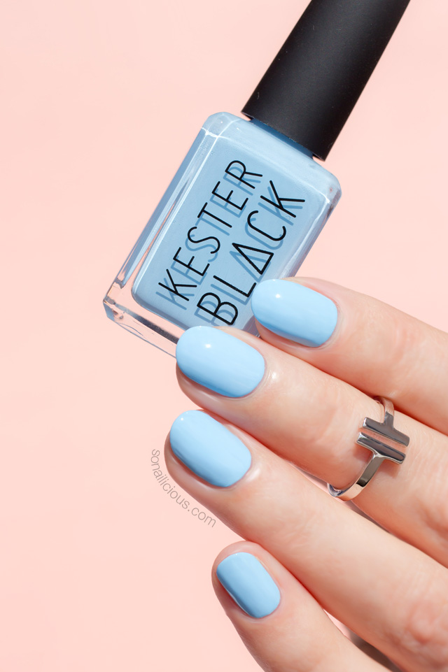kester black cumulus, light blue nails