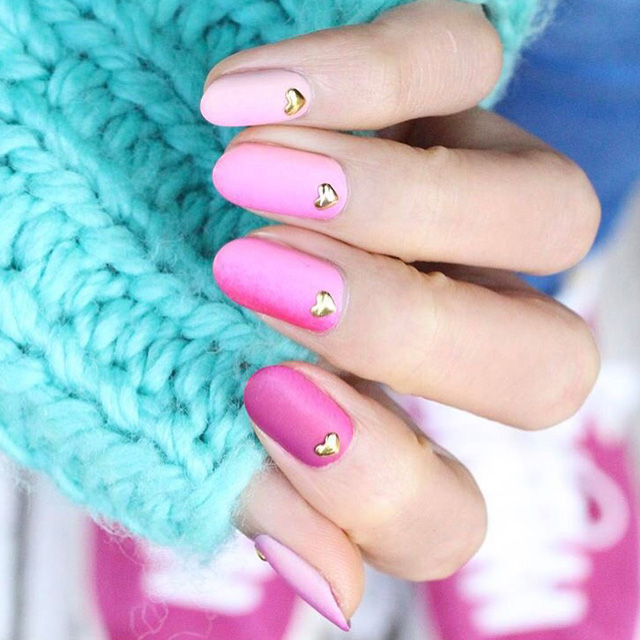 Pink Ombre nails by @nail_unistella