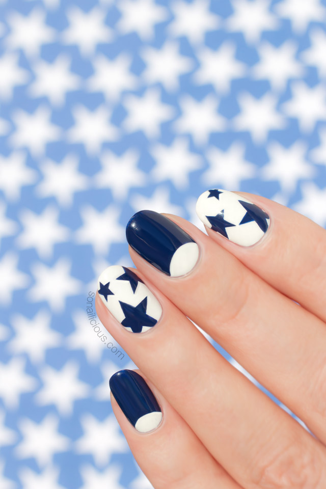 Star Nails, Blue and white nails