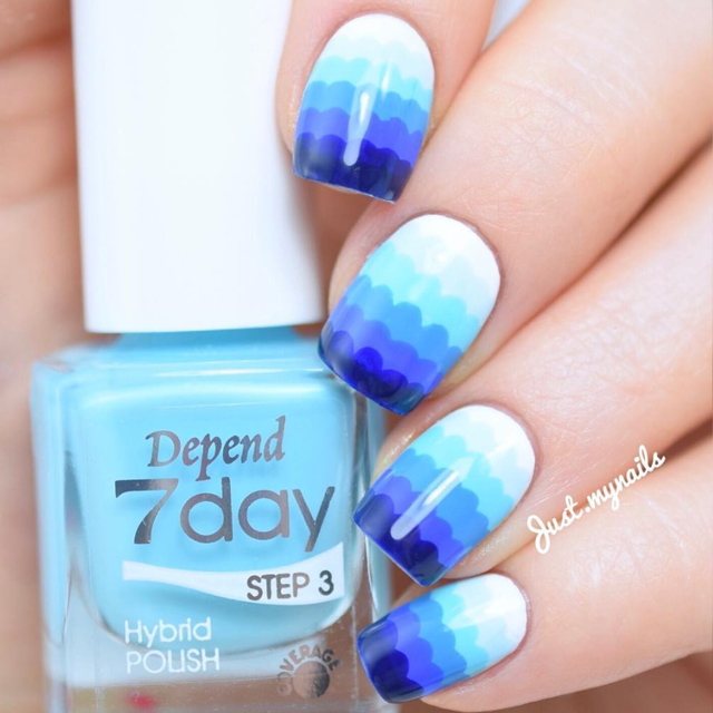 Wavy blue nails by @justmynails