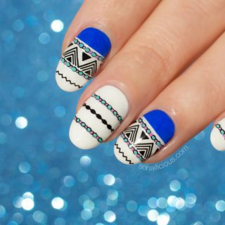 gothic nails, blue and white nails