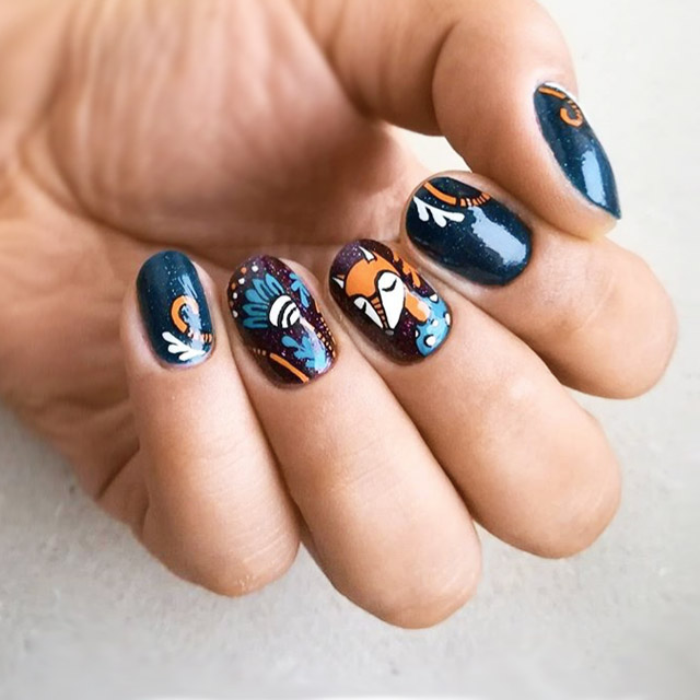 Fall Fox Fall nail design by @elza_inaleafhouse