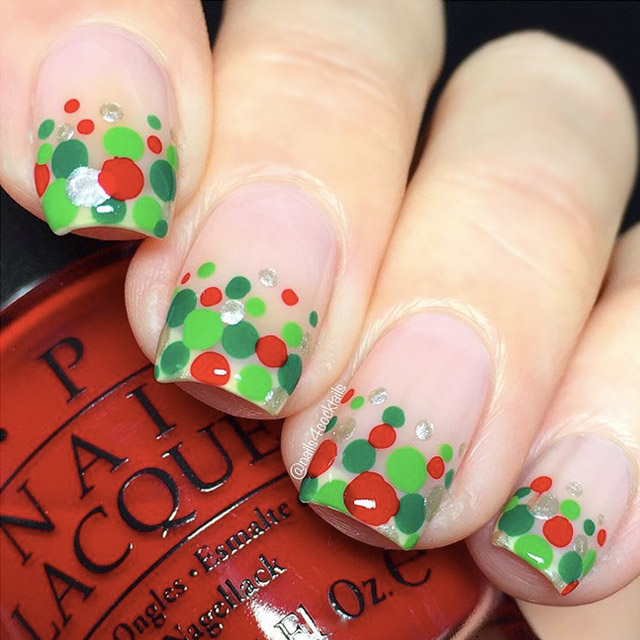 Christmas Dotticure by @nails4cocktails