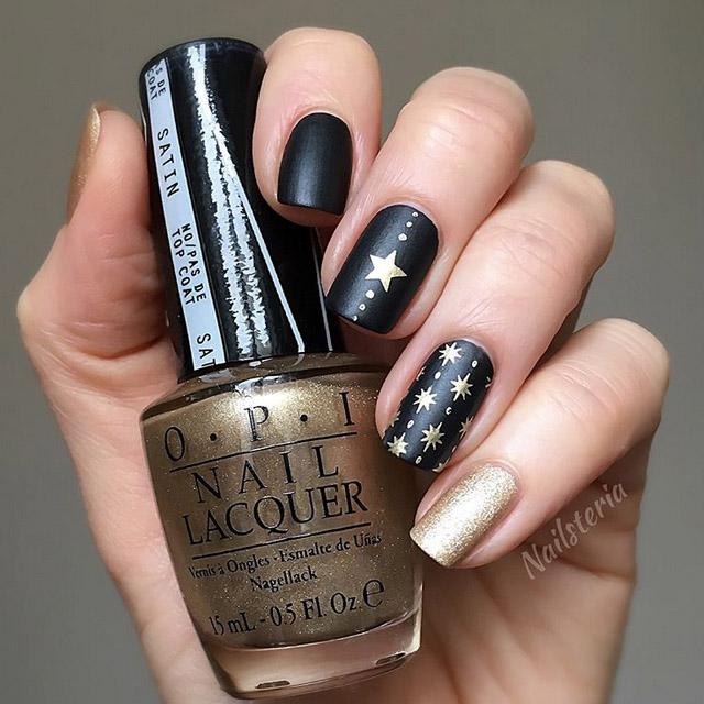 Elegant Xmas party nails by @nailsteria