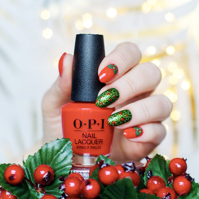 Ultra Christmas nail design by @redheadnails