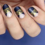 Tutorial: Dark Blue and Gold Party Nails