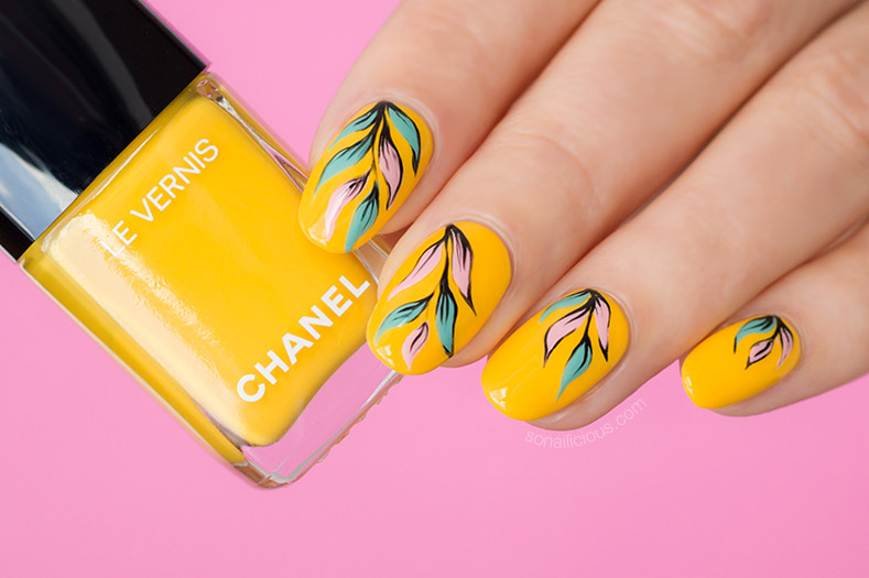 Chanel nail polish giallo napoli review, yellow nails