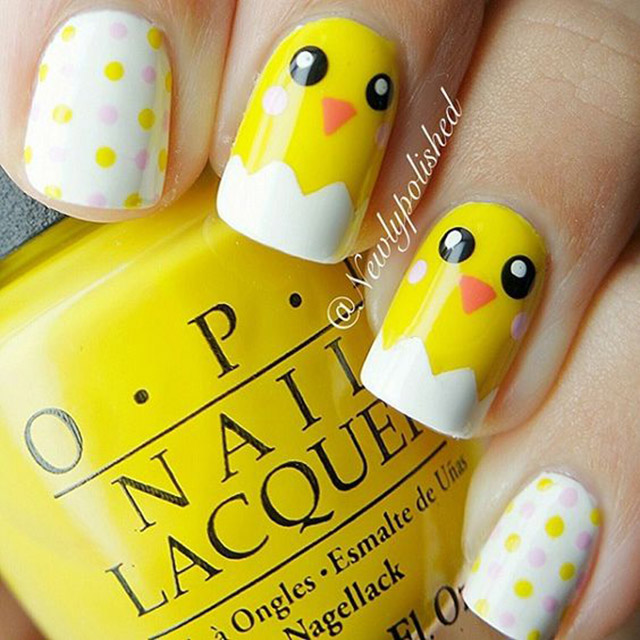 Cute Chickens Easter nail desin by @newlypolishes