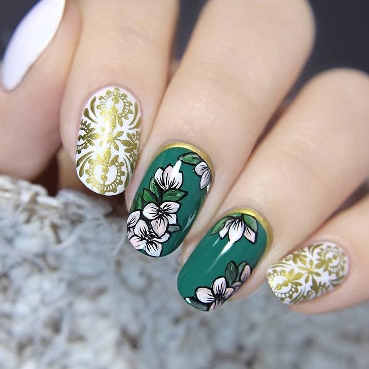 Baroque Flower nail art - SoNailicious