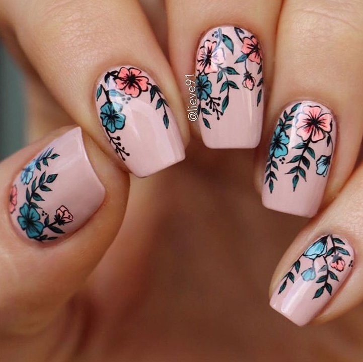 Detailed Floral nail art