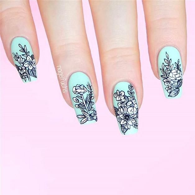 Elegant Floral Nail Design
