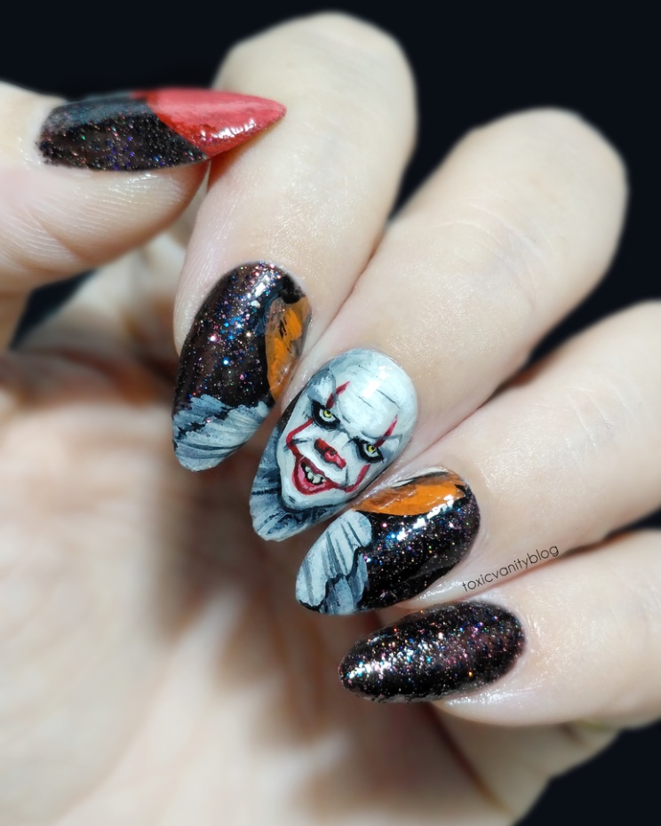 It Halloween nails