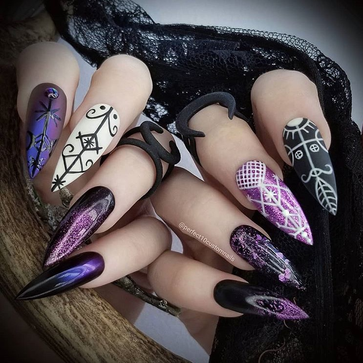 12 Scarily Stunning Halloween Nail Designs - SoNailicious